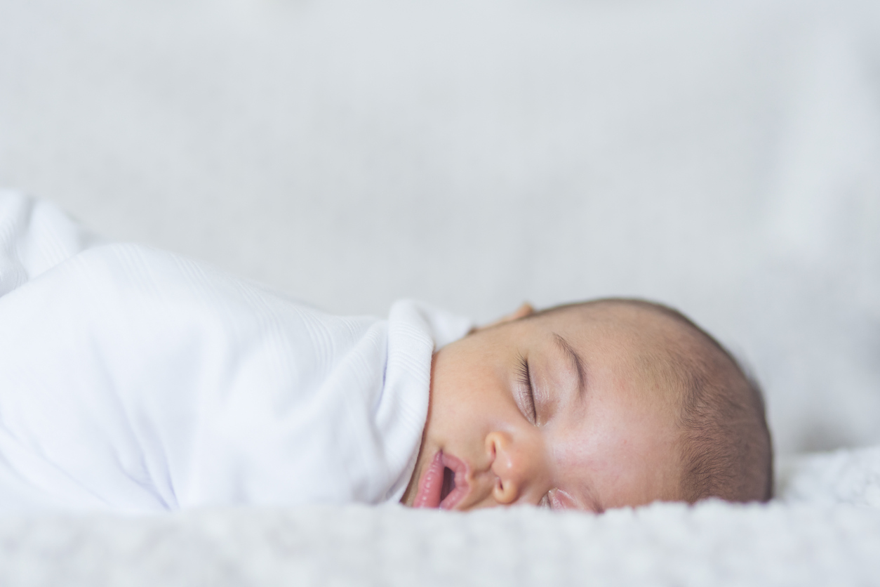 How to Get Your Baby to Fall Asleep in a Hotel Room